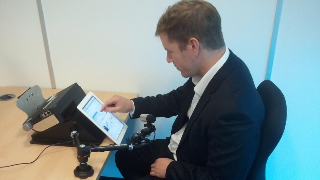 Mobile and tablet eye tracking setup